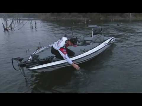 Jig Fishing For Bass - How to Fish With a Bass Jig - (More info on: https://1-W-W.COM/fishing/jig-fishing-for-bass-how-to-fish-with-a-bass-jig/)