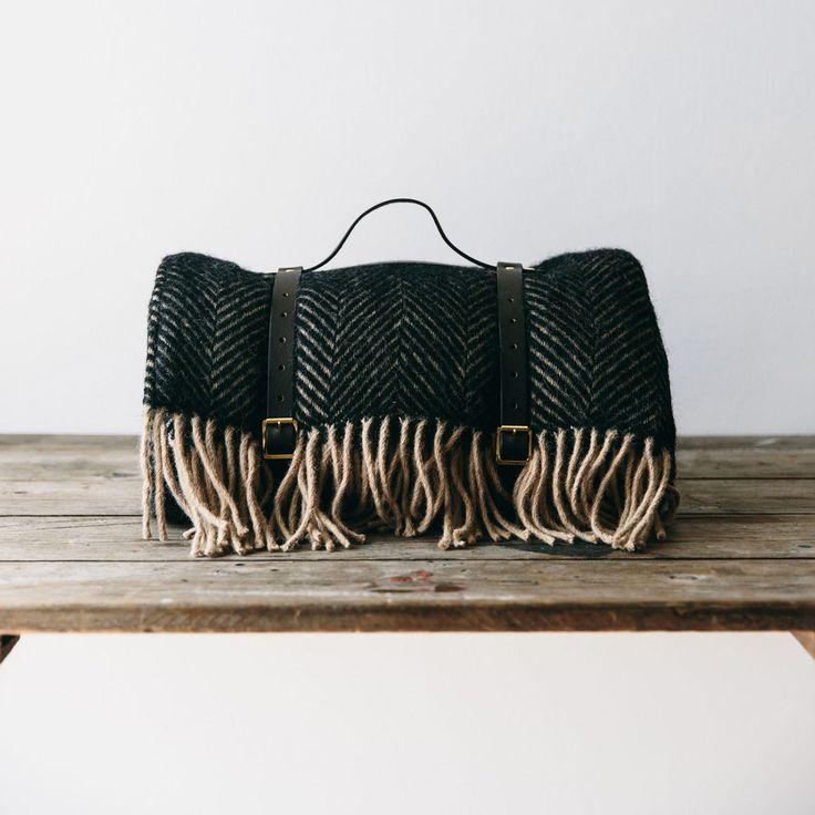 Waterproof Wool Picnic Blanket Brown - The Future Kept - 3