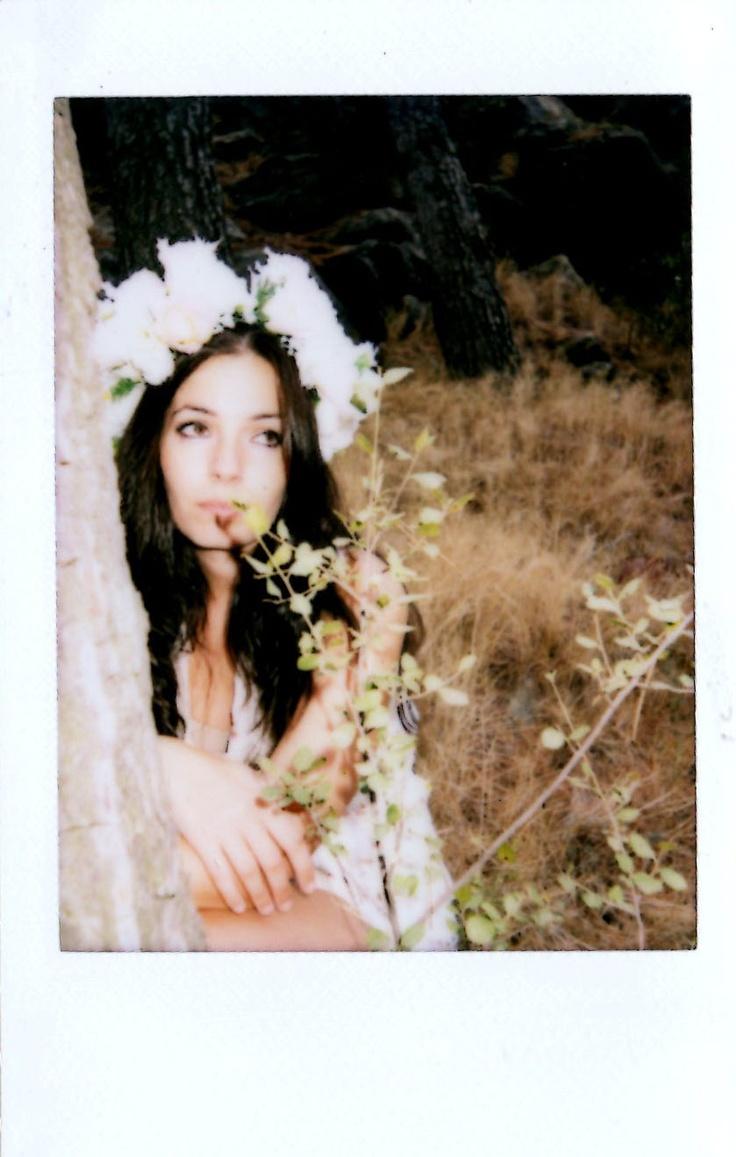 Paula Elena y los árboles II.