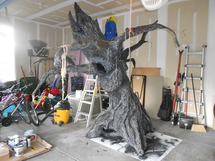 How to make a tree prop!!!!!  This is for Halloween, but it could be done for a fairy room or woodland room.....