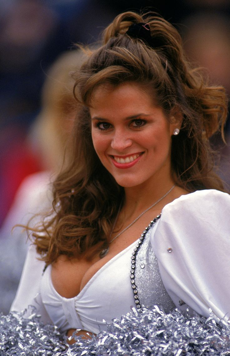 Los Angeles Raiders : Retro NFL cheerleaders: 1980s and '90s