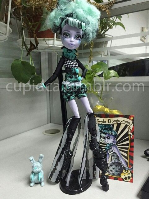 59 best Monster High Freak Du Chic images on Pinterest Monsters - copy monster high gooliope jellington coloring pages