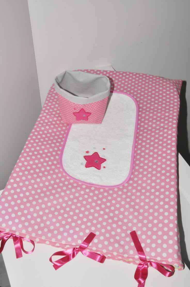 housse matelas à langer personnalisé + 1 lange étoile brodés rose+ corbeille : Puériculture par lbm-creation