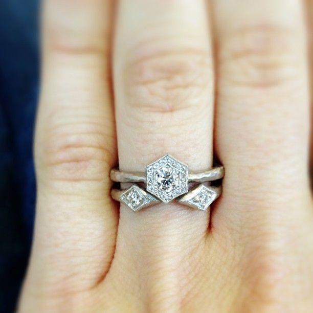 cathy waterman is one of my favorite jewelry designers. i LOVE this wedding ring set. <3