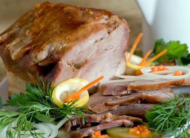 Предлагаем вам сегодня соблазнительную, тушеную в пиве, свининку с добавлением не совсем обычной для мясных блюд специи – корицы. Чаще всего эта пряность и...