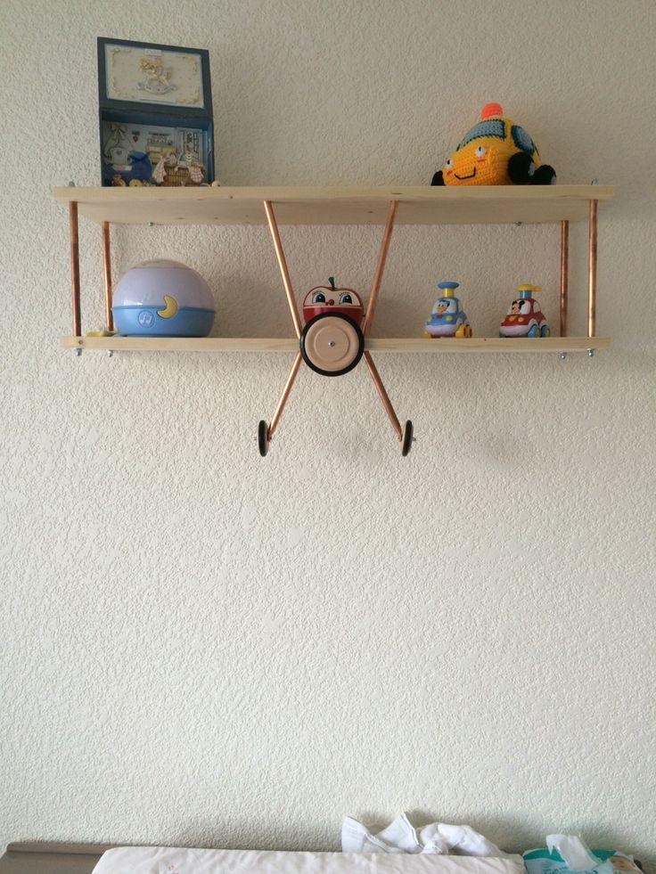 DIY: Wandplank vliegtuig
