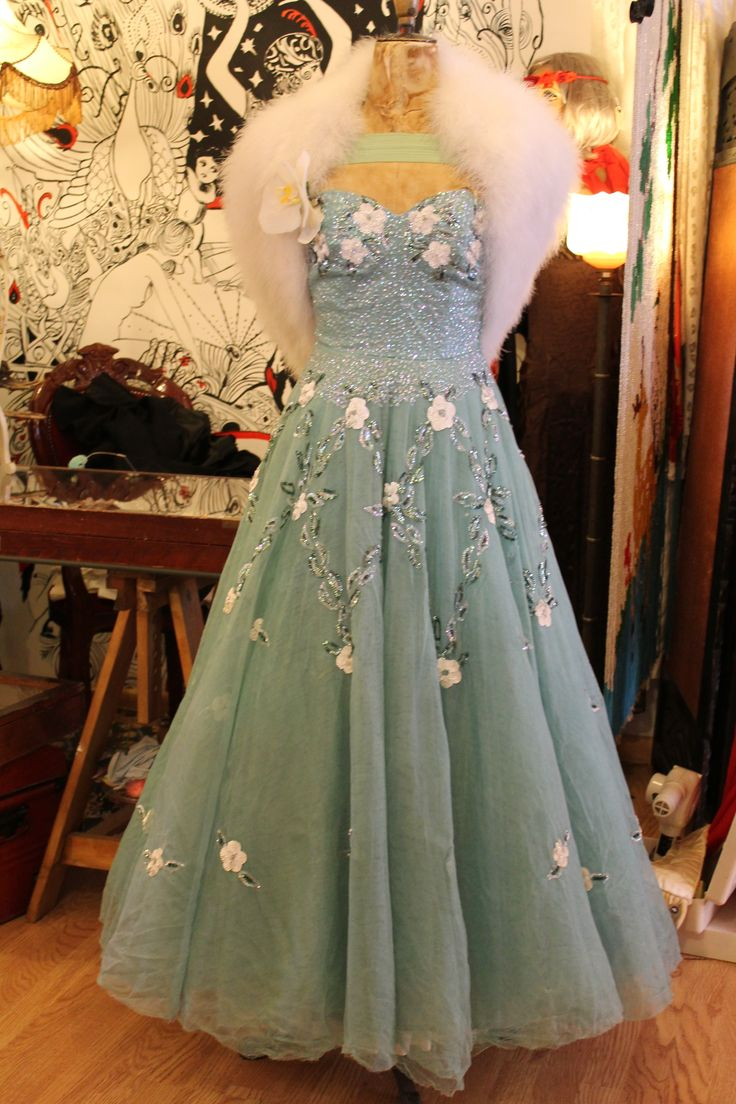 The dress for sale - 1940s Net Ball Party Prom Dress For Sale In The Shop