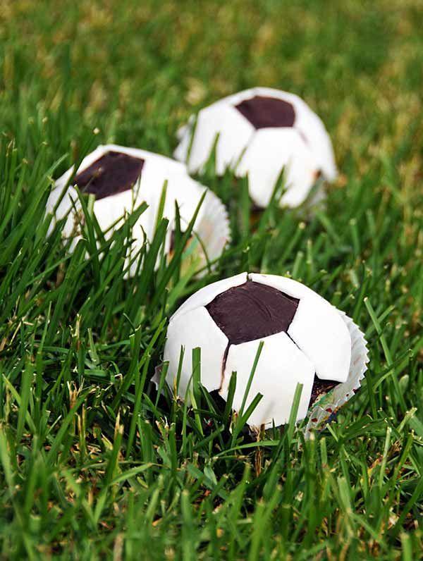 Muffiny piłki dla małego kibica, muffiny kibica, piłka nożna, muffiny piłka, muffin fan, ball muffins, football, muffins