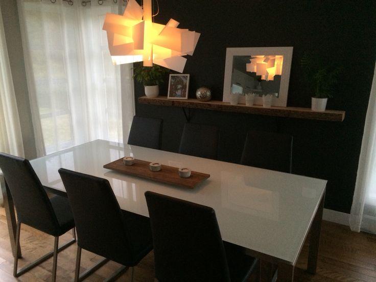Table centerpiece + wooden shelf
