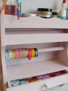 Repeindre un vieux meuble pour lui donner un nouveau look! / Repaint an old furniture for giving it a brand new look!   By Akiko