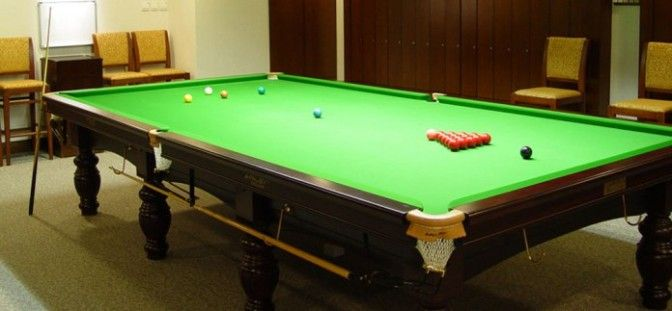 If you plan to buy a pool table for your home, it is recommended knowing the ideal pool table sizes so that you can choose the right choice. First, what we mean ideal is not standard because I need to inform you that there is no standard size of pool table. So, how do we measure and compare, then? Relax, there are four sizes that are commonly used by bars and players and they are the 7 foot pool table, the 8 foot pool table, 8.5 foot pool table, and 9 foot pool table.