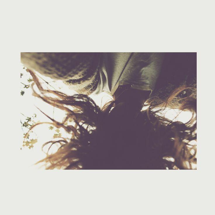 PorqueEn sus cabezasBrota la flor sagradaLa maldita magra florecillaLa flor enfermaLa flor acreLa flor siempre marchita La flor personal… el pensamiento…     Prevert J