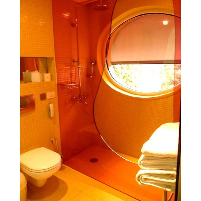 Bathroom details at Semiramis Hotel! Photo by @tinaki_an