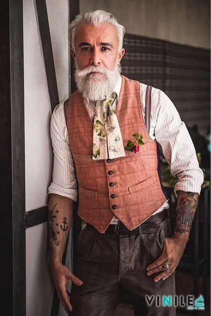 He's such a dapper gentleman. If possible, my beard fetish is stronger then ever now.