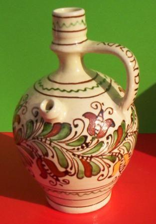 Kézi festésű Korondi mázas vizes korsó