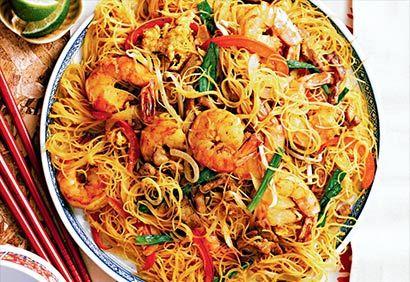Nouilles Singapour **** Elles sont excellentes, ont a remplacer les crevette et le porc par du poulet et les fèves germées par des pousses.
