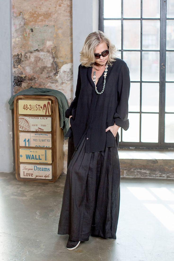 БА779: Льняная юбка на резинке, размер 50/52,Lyuna. Рубашка из льна, размер 50/52, КО. Бижутерия, Дания