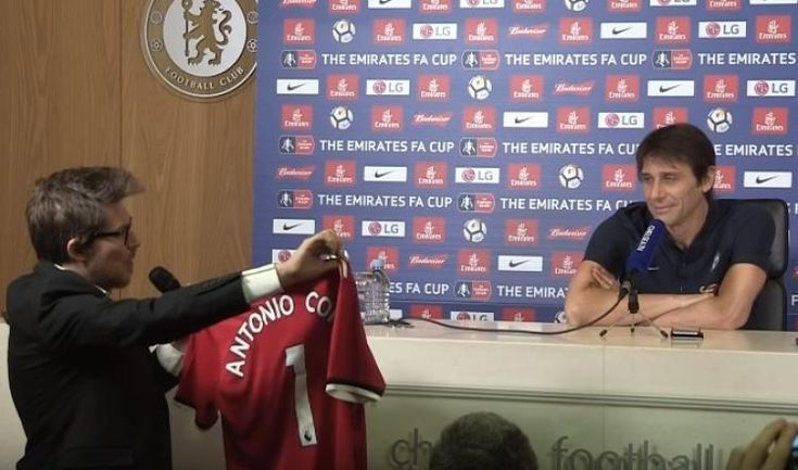 Chelsea FC news: Antonio Conte handed Manchester United shirt with his name on the back during press conference: * Chelsea FC news: Antonio…