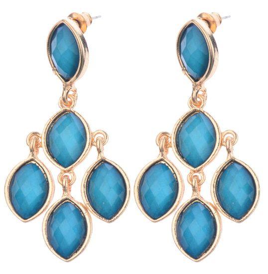 https://www.goedkopesieraden.net/Gouden-oorstekers-met-blauwe-stenen-hangers