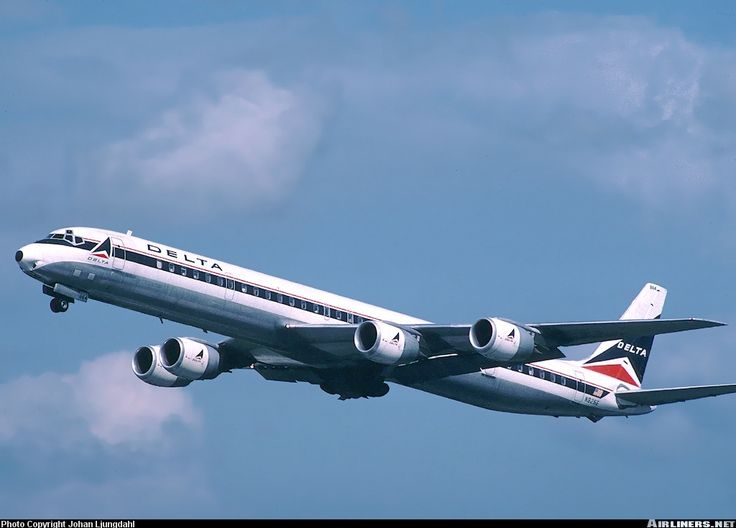 Delta Air Lines N825E McDonnell Douglas DC-8-71 aircraft picture