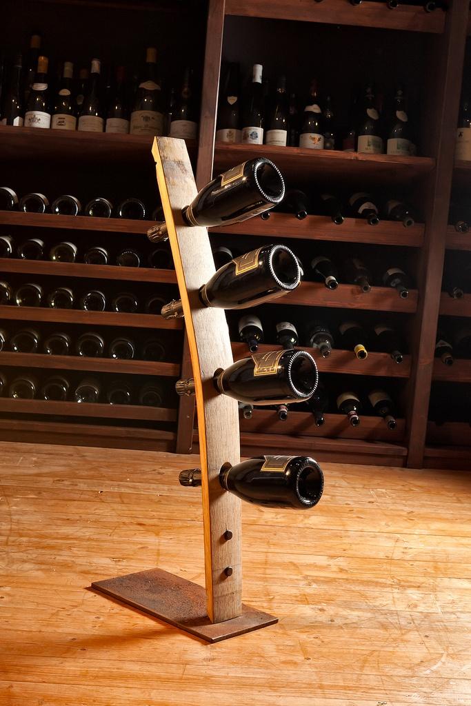 porta bottiglie fatto a mano