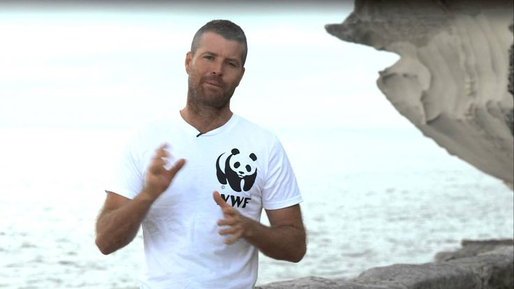 Video message from WWF Ambassador for #SustainableSeafoodDay 2013 @ChefPeteEvans via YouTube