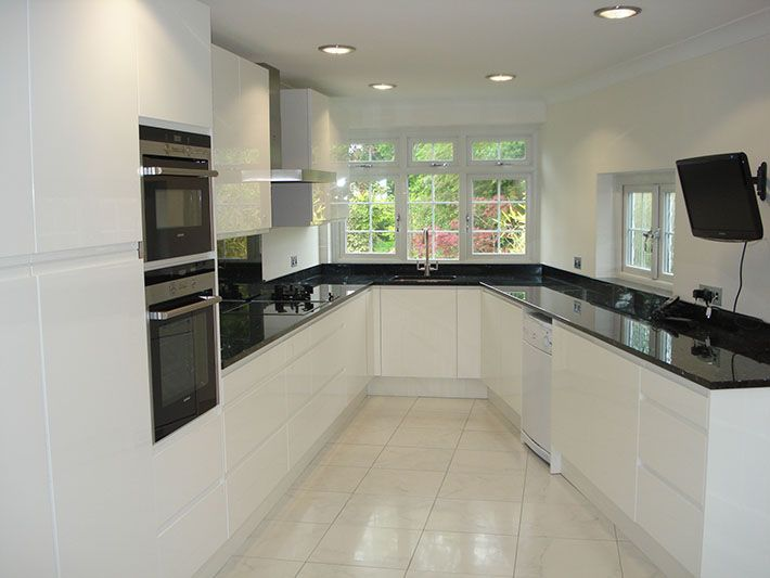 Rugby High Gloss White Fitted 710 533 Pixels Kitchens Pinterest Black Granite