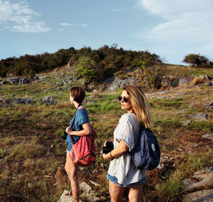 #adult #adventure #backpack #backpacker #camera #casual #clouds #daylight #enjoy #enjoyment #female #forest #freedom #friends #friendship #fun #girls #grass #happiness #hike #hiking #idyllic #journey #lady #landscape #lei 4k