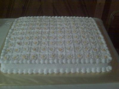 Daisy sheet cake By missladybugg77 on CakeCentral.com