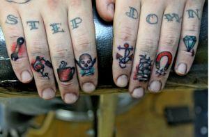 Seleção de tatuagens nas mãos (29)