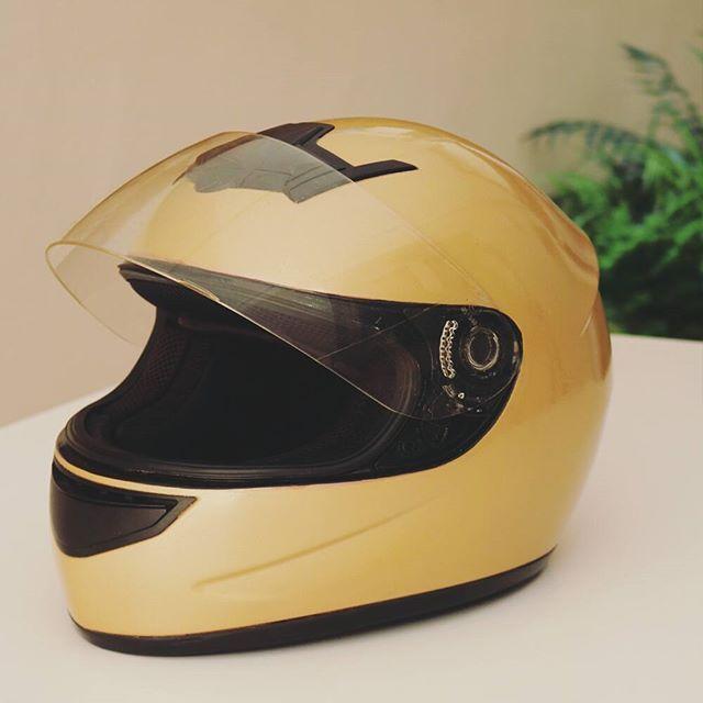 Seas más de moto, bici, patinete o skate, ya puedes tunear tu casco y que parezca recién salido de fábrica 😉 Conseguirás...