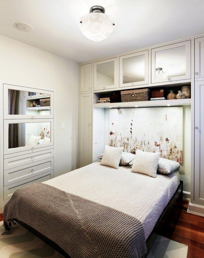 Vintage kleines schlafzimmer in wei m bel regale ber bett