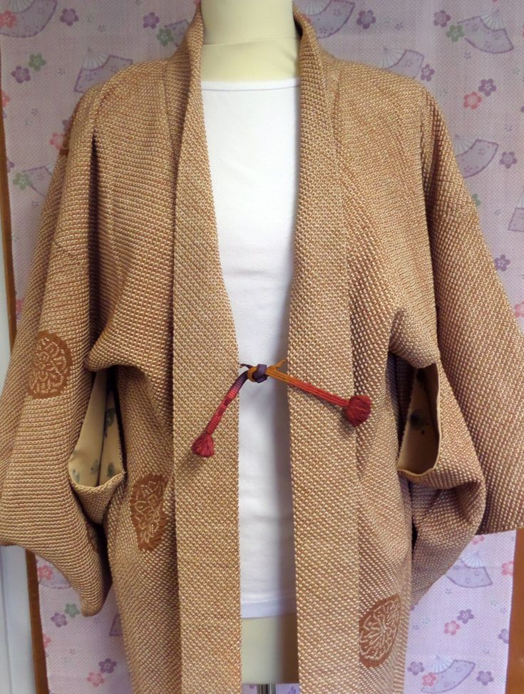 H184 Japanese pure silk vintage haori jacket; Caramel and Cream Shibori ;hand made; crisp, quality and Very Stylish! Med/Lge by LizzieHuxtable on Etsy