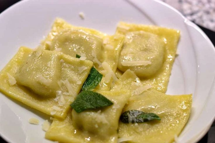 Ravioli mit Ricotta-Pilz-Füllung