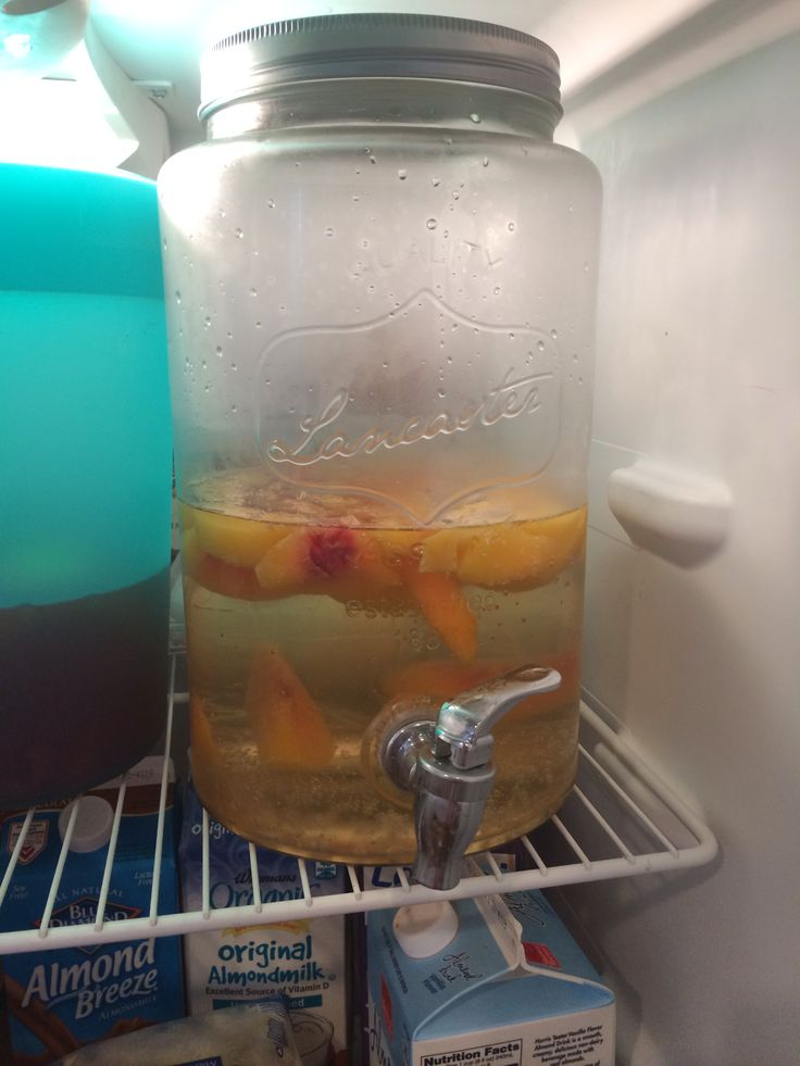Peach Sangria! 1 bottle of moscato 1 liter of Sprite 3/4 cup Peach Schnapps 1 bag of frozen peaches