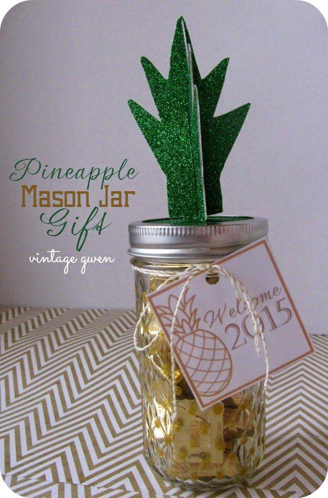 HAPPY Holidays: Pineapple Mason Jar Gift with Free