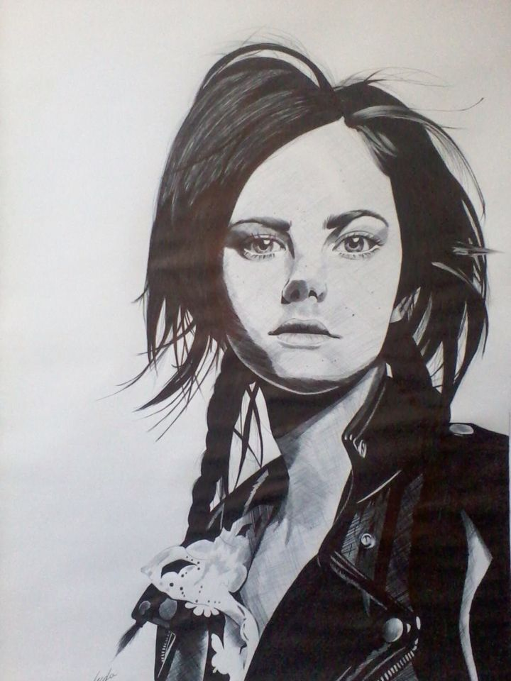 Kaya Scodelario  Realizado con lápiz pasta bic color negro