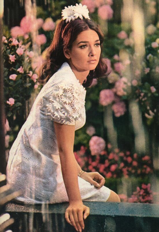 Suzanne Pleshette - I love this dress