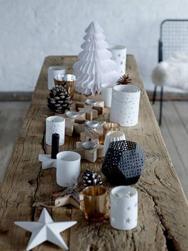 Table de Noël ambiance scandinave et naturelle http://www.homelisty.com/deco-noel-scandinave-inspirations-idees-23-photos/