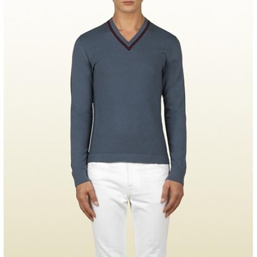 Diamante Stitch V-neck Sweater.  Shop Now: www.vendas-europe.com