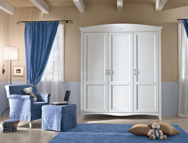 Romantico, colore neve, #armadio #guardaroba a tre ante. Romantic, snow colour, #wardrobe with three #doors
