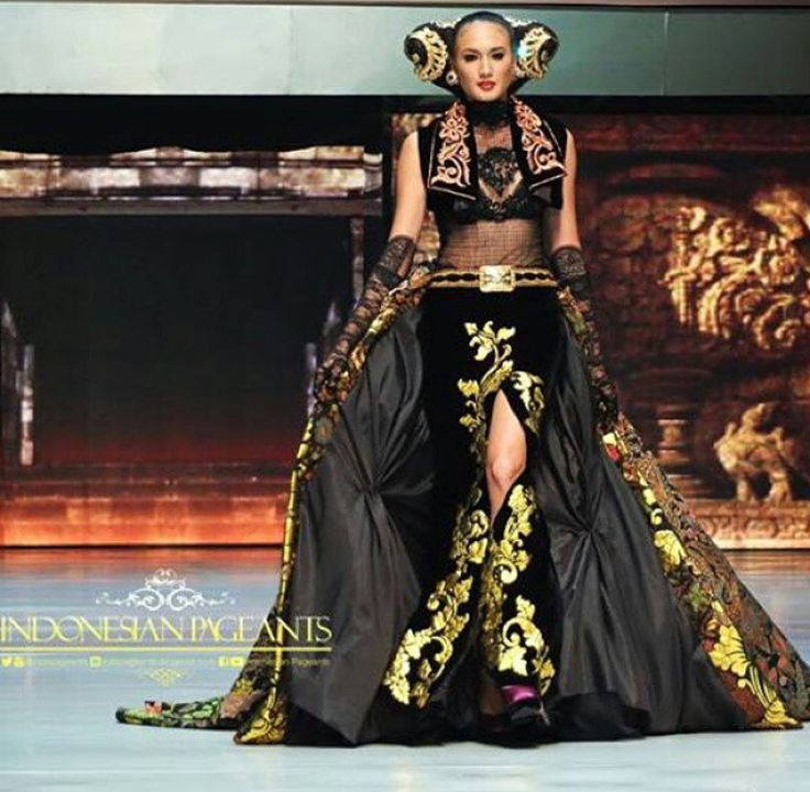 """25th Years Of Anne Avantie Creation, """"Merenda Kasih"""" 2014 Collection - """"A Beauty Escape Playground"""""""