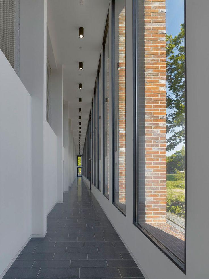 max dudler architekt dietrich architekten ingenieure jacobs university image 14 of 21. Black Bedroom Furniture Sets. Home Design Ideas