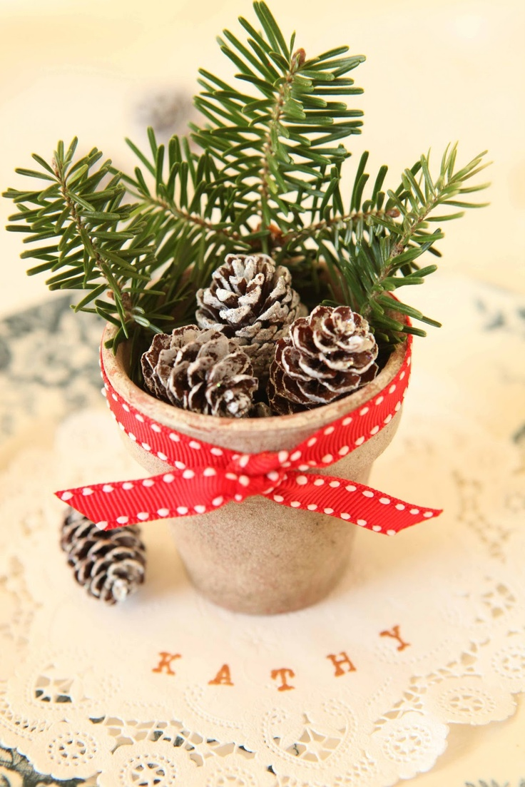 Pine cone place setting..