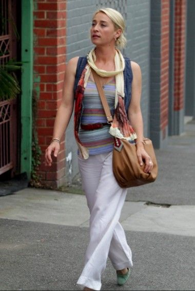 asher keddie 380x566 Behind the scenes with the Offspring stylist. from mamamia
