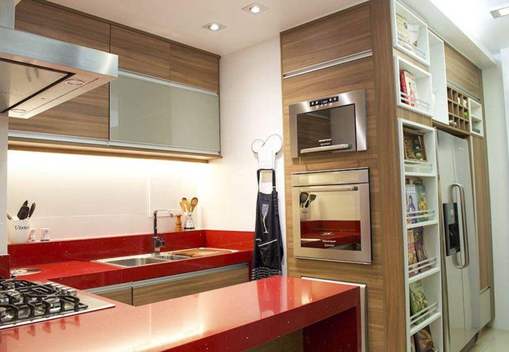 O espaço de uma cozinha pequena pode conter tudo que existe…