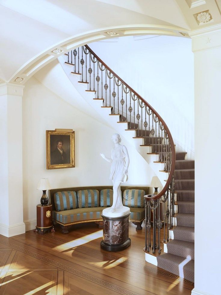Traditional interior design Thomas Jayne Drumlin Hall staircase
