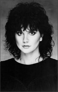 Linda Ronstadt - I keep having people tell me I look like her. Just happened again today. I hope they mean the young and beautiful Linda and not the old and fat Linda. LOL!