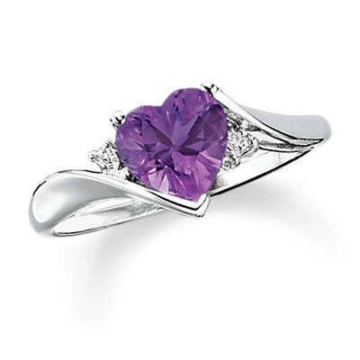 Heart-Shaped Amethyst Ring in 10K White Gold with Diamond Accents !