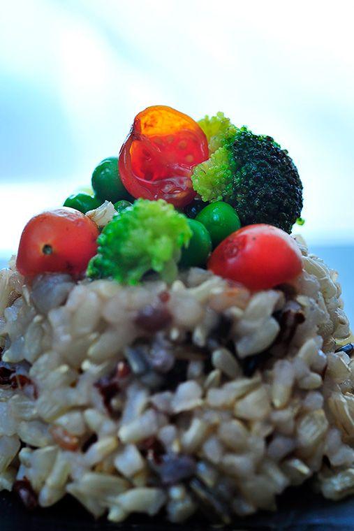 Risi broccoli e piselli con salsa all'aglio